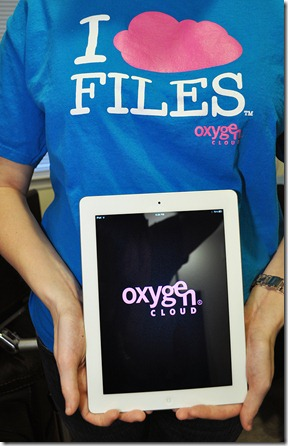 Oxygen I Cloud Files Shirt with iPad